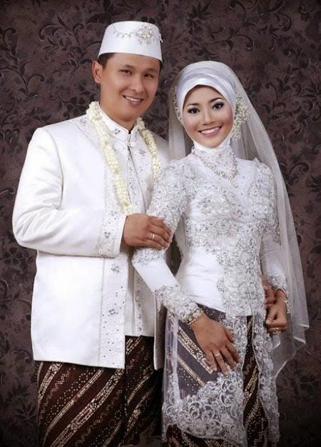 gaun pengantin jawa muslim