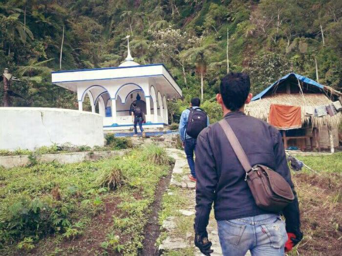 cara menentukan arah dengan masjid dan musholla